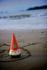 Cone Gnome loves you (Graham Ballantyne) Tags: beach tofino middlebeach middlebeachlodge canoneos30d canonefs1755mmf28isusm conegnome