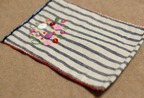 Button Spring flowers mini quilt