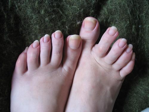 Toe nails fetish