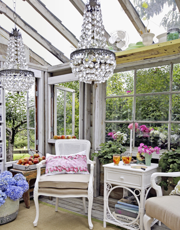 glam greenhouse via CountryLiving3