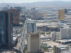 The Las Vegas Strip seen from Stratosphere (Iwan Evans) Tags: treasureisland lasvegas caesarspalace fashionshow circuscircus themirage lasvegasstrip thehilton wynnhotel encorehotel trumphotellasvegas