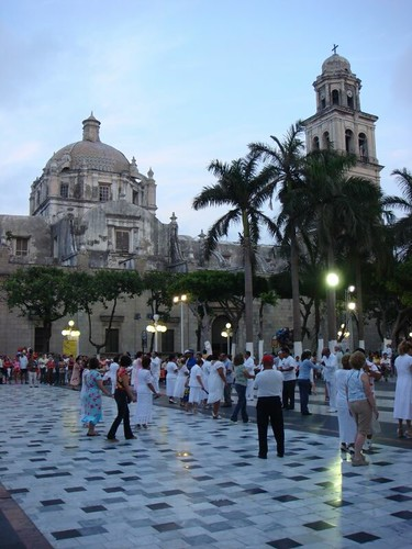 Dancing in central park. Veracruz, Mexico.