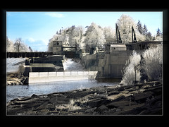 Electricity Plant in IR (guenterleitenbauer) Tags: pictures plant water animal animals canon landscape ir tiere photo google wasser flickr foto image photos au picture images fotos electricity infrared 5d kraftwerk bild landschaft 2009 strom obersterreich bilder tier traun gnter waterplant infrarot gunskirchen guenter leitenbauer theperfectphotographer