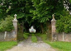 Bélus (40),  portail de la caverie de Villenave. (Marie-Hélène Cingal) Tags: france southwest 40 landes sudouest aquitaine paysdorthe bélus yourcountry