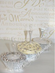 champagne cuppies (Deliciously Decadent (Taya)) Tags: wedding white cup cake silver champagne cachous dregrees