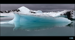 Jkusarln (Monika Ostermann) Tags: blue vacation lake black ice water iceland lagoon glacier ash reflexions 100commentgroup monikaostermann vulcanicash glacierelagoon jkusarln icelandjkusarln