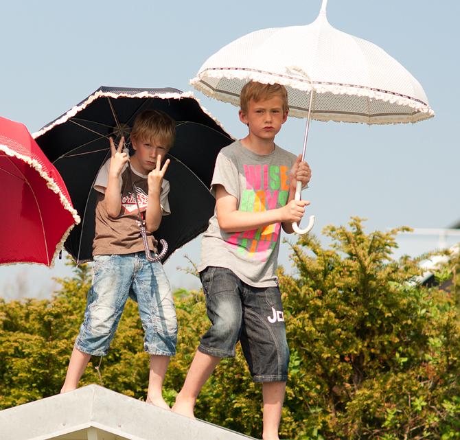 boys_umbrella