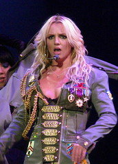 THE CIRCUS STARRING BRITNEY SPEARS (03/05/09)