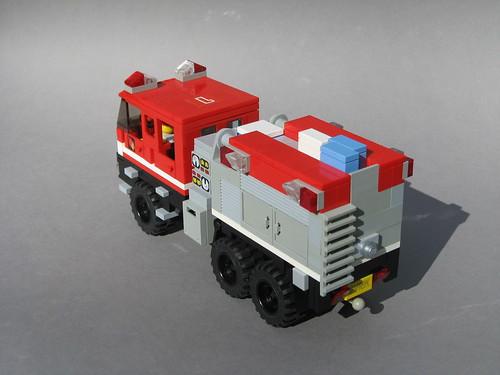 LEGO S&S Wildland Ultra XT (4)