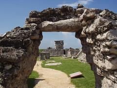 Tulum (Diorama Sky) Tags: archaeology mxico architecture mesoamerica maya tulum quintanaroo archaeologicalsite dioramasky
