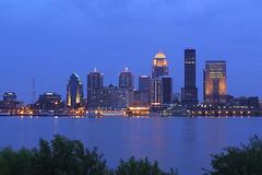 Louisville, Kentucky (Flightline Aviation Media) Tags: city skyline night river kentucky louisville canond30 stockphoto bruceleibowitz