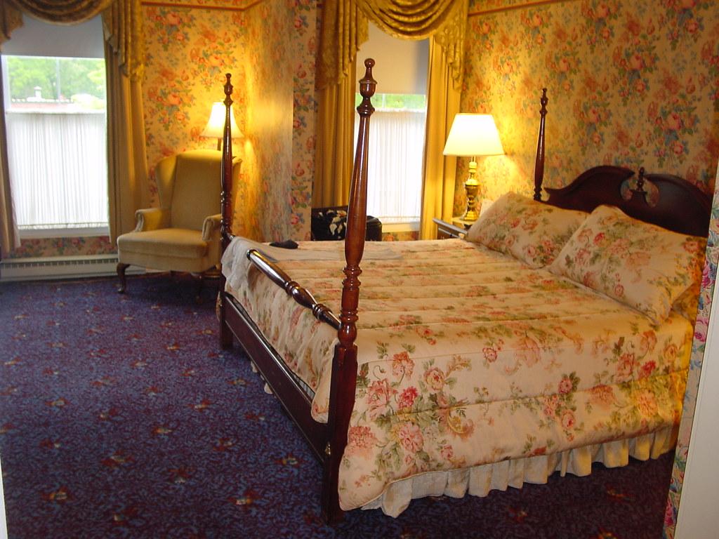 Saratoga Springs - The Inn at Saratoga, 2 room suite