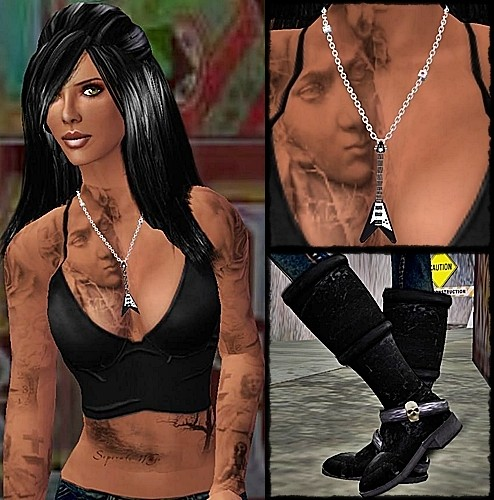 Tattoo: Tramp Stamp Tattoos, Epitome. Necklace: +SPICA, V-bass necklace