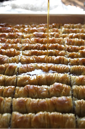 Chocolate Baklava, pouring syrup