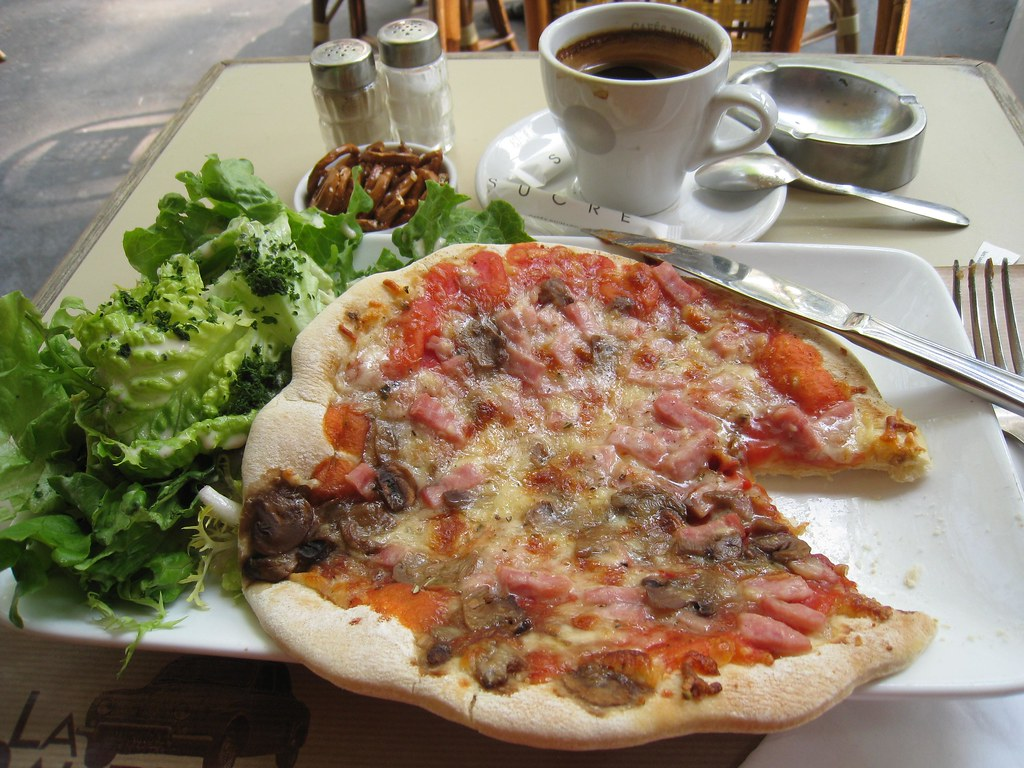 Ham & Mushroom Pizza & Salad at La Dauphine Cafe