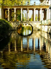 Warsaw's Royal Baths Park:Palace on the water (Bea Kotecka *Come back :) *) Tags: water reflections spring scenery columns poland warsaw azienki canoneos30d palaceonthewater nohdr april09 paacnawodzie parkazienkowski royalbathspark beakoteckaphotography saariysqualitypictures