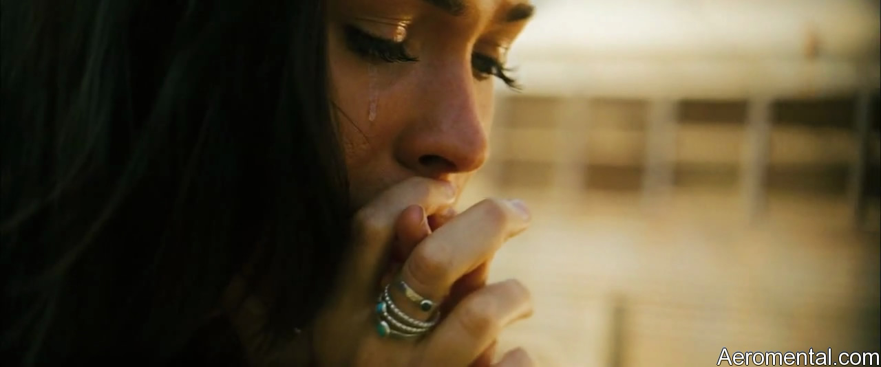 Transformers 2 Megan Fox llorando