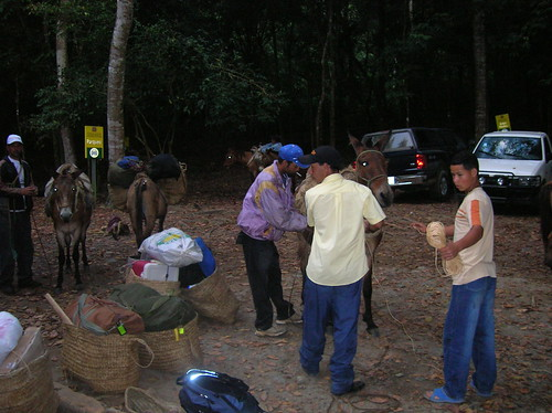 Assembling at the trailhead near Ciénaga
