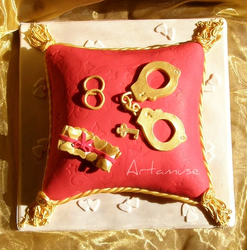 Pillow Cake : Bachelorette Party Cake