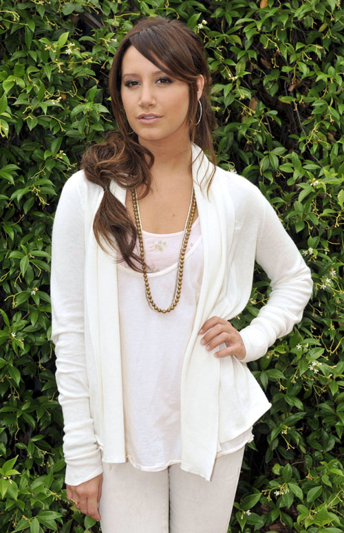 ashley-tisdale-shoot-689-4