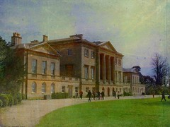 Basildon Park (Tasmin_Bahia) Tags: old trees england house colour detail green nature public beautiful grass garden outside outdoors pretty fresh oldhouse simple magical basildonpark