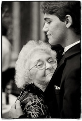 Generational Bliss (Ryan Brenizer) Tags: nyc newyorkcity wedding nikon manhattan flash may 2008 d3 uppereastside sb800 70200mmf28gvr ryanbrenizerphotography jenniferandscott