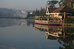 Lovely Dalat (DulichVietnam360) Tags: morning lake reflection vietnam dalat reflexions vitnam h digitalcameraclub the4elements hxunhng brilliant~eye~jewels lt dulichvietnam360