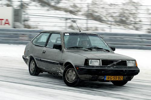 Volvo 340 Turbo. Volvo 340