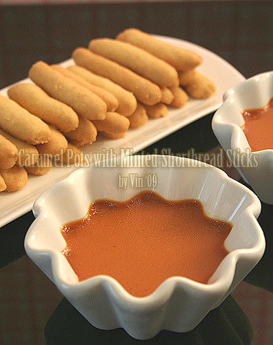 caramel-pot-shorbread-stick