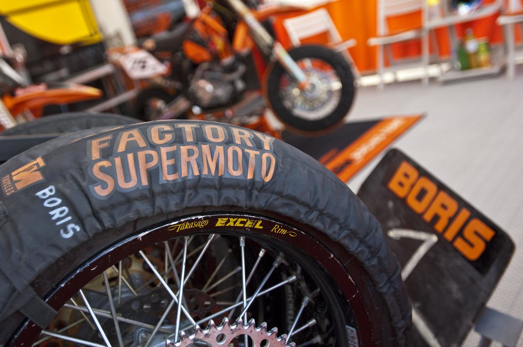 The World's Best Photos of 2005 and supermoto - Flickr Hive Mind