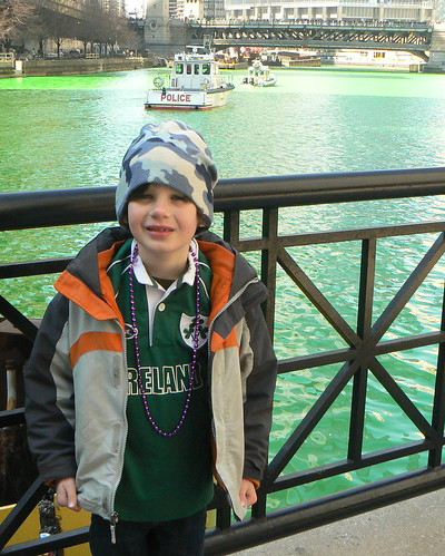 H with green Chicago river