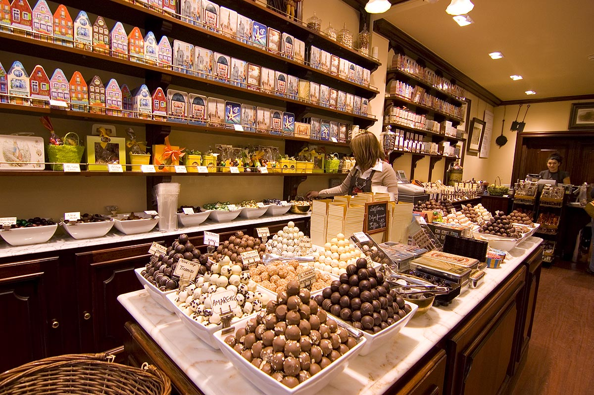 Gourmet Shop For Cake At Ilford Lane