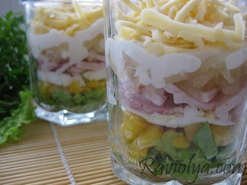 Фото слоеный салат в стаканах
