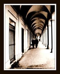 Gli anni che passano non sono mai troppi (lullaby_finny) Tags: bern svizzera picnik berna colonne prospettiva passanti porticato