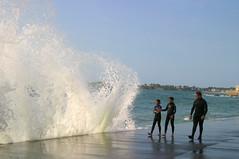 IMG_5022/mare montante, digue du Sillon (gerardstmalo) Tags: sea waves surfing vagues saintmalo bluesail merwavesvaguessurfingsaintmalosea