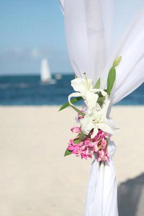 Beach-Wedding-Canopy-Flowers