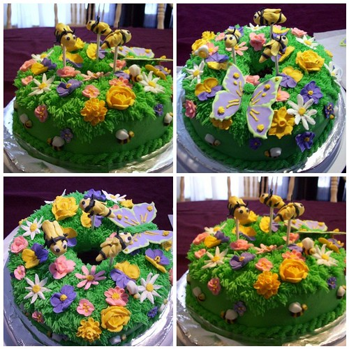 Bee-Day cake mosaic