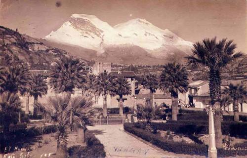 Plaza in 1954