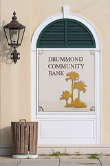 Drummond Community Bank (MickiP65) Tags: travel windows light vacation usa signs building tourism gulfofmexico window lamp sign buildings photography october photographer florida getaway bank signage northamerica fl garbagecan trashcan fla 2009 cedarkey banks levy allrightsreserved bldg gulfcoast copyrighted wastecan canoneos30d michellepearson showpics 101209 20091012 10122009 naturescoast oct122009 drummondcommunitybank img0029067 cedarkeyphotographer cedarkeyphotography