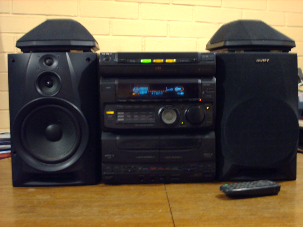 Sony MHC - G88 Minicomponent Audio System