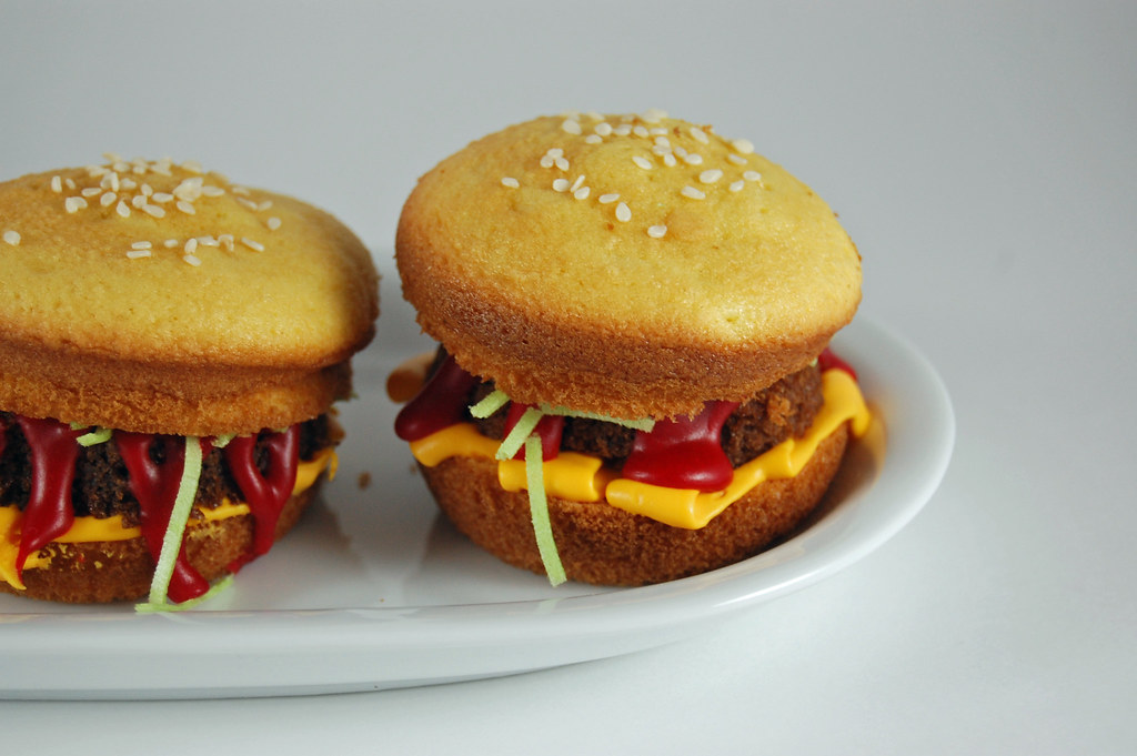 Hamburger Cupcakes 03