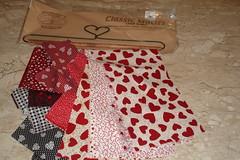 """"""" c O r A   e S...""""   sendo olhado, e COMENTADO... ("""" Atelier da TT"""") Tags: hearts handmade coraes quilting patchwork strips telas tecidos"""
