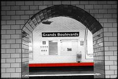 Mouse Hole (Ganaselmi) Tags: paris france subway mtro parissubway mtroparisien