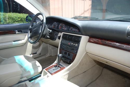 1995_Audi_A6-13