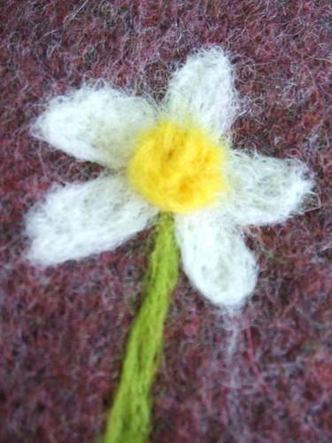 Needle felted daisy