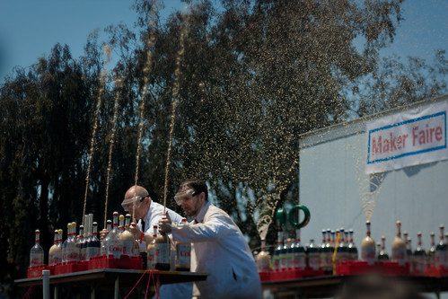 Maker Faire 2009: Mentos and diet coke fountains