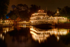 WDW April 2009 - Liberty Belle and the Rivers of America by Night (PeterPanFan) Tags: travel vacation usa reflection water night spring orlando florida disney disneyworld april fl wdw waltdisneyworld 2009 libertysquare libertybelle riversofamerica disneypictures vacationpictures libertysquareriverboat disneyphotos wdwmagic