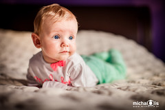 Amelka (Micha Lis) Tags: family portrait people baby girl photography three child lift head canon5d months lifted threemonthold 50mmf12