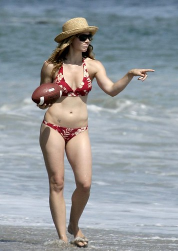 Jessica Biel in bikini on beach
