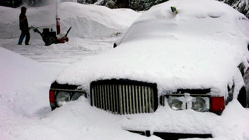 Bentley Turbo R in snow - BENTLEY SPOTTING